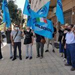 manifestanti-della-Uil-scuola